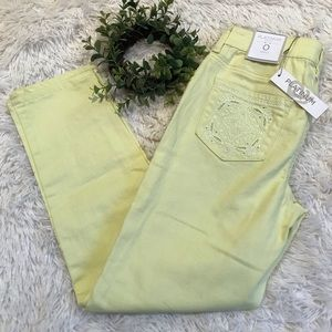 CHICOS ** Platinum Ankle Pastel Yellow Jeans